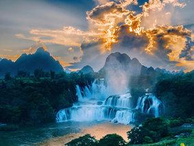 桂西秘境-宁明花山-安平河-德天瀑布-旧州-渠洋湖-古龙山峡谷5日休闲游