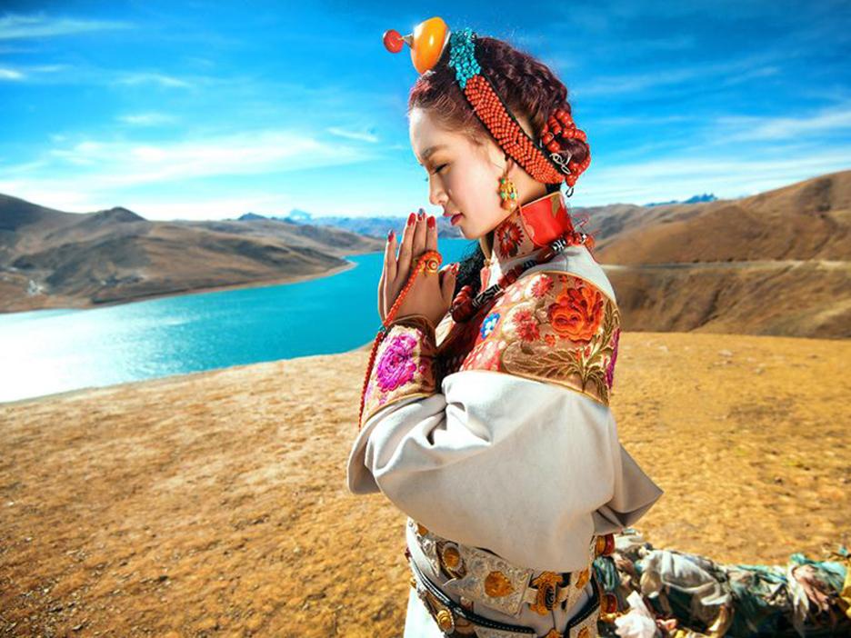 圆梦西藏写真旅行-拉萨-巴松措-结巴村-鲁朗林海-扎西岗村-甘丹寺-千佛崖-羊卓雍措-雅江沙丘-纳木错-藏北草原8日游