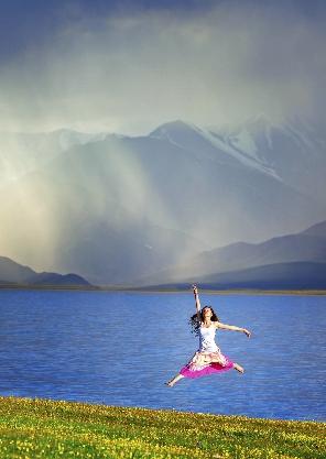 新疆巅峰大环线13日-天山天池-赛里木湖-禾木-喀纳斯-江布拉克-五彩滩-喀拉峻-人体山-薰衣草-巴音布鲁克-吐鲁番13日深度游