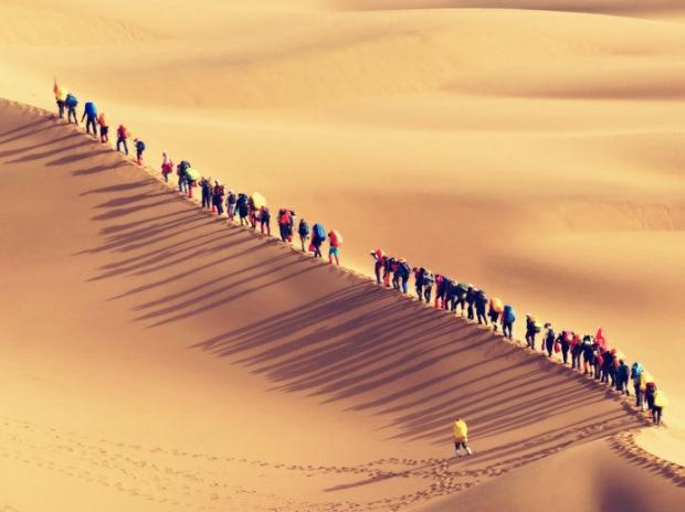 徒步腾格里-腾格里沙漠五湖轻装徒步穿越-天幕露营4日体验游