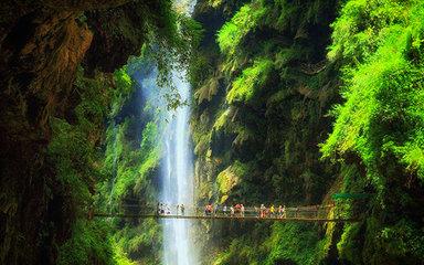 【醉美黔西南】黄果树大瀑布-万峰林-马岭河-天龙屯堡-吉隆堡-南龙古寨-石头寨六日深度游