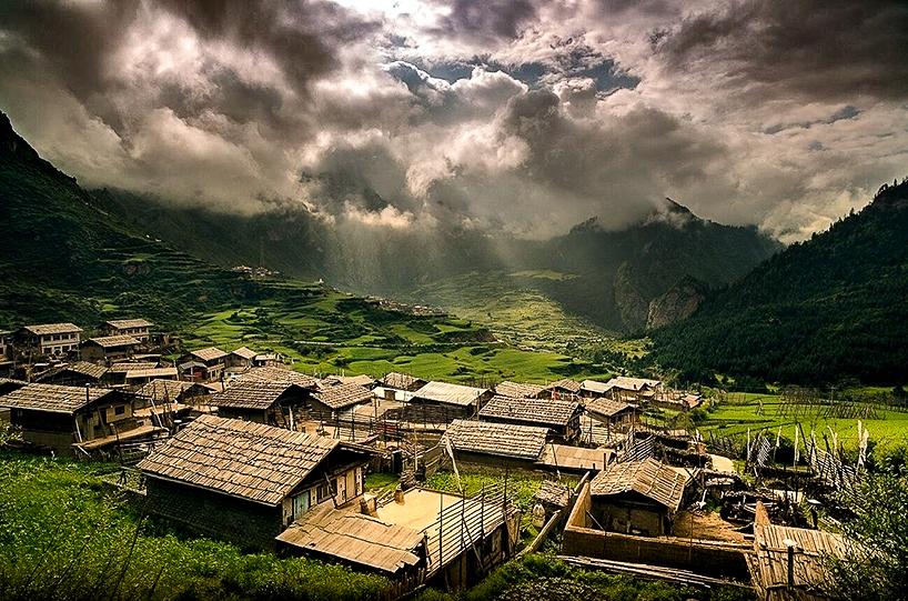 外国山区乡村风景