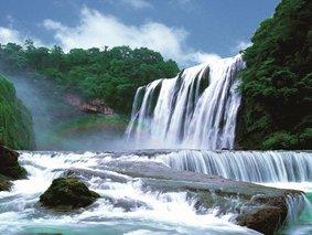 穿越云贵-黄果树瀑布-罗平油菜花-马岭河大峡谷--万峰林-青岩古镇5日深度游
