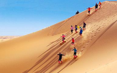 【腾格里-银川】沙漠轻徒步-越野车五湖穿越-阿拉善左旗-镇北堡影视城-西夏王陵-水洞沟 4日品质慢游
