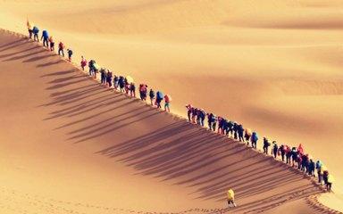 【徒步腾格里】腾格里沙漠-天鹅湖-苏海图湖-月亮湖-太阳湖-乌兰湖 五湖连穿4日沙漠穿越体验游