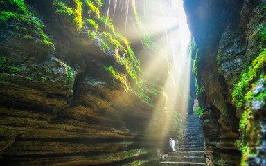 【重庆-恩施】屏山峡谷-重庆-武隆天坑地缝-恩施大峡谷-网红狮子关浮桥-仙女山-梭布垭石林7日恩施深度游