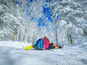 雪乡经典大环线-哈尔滨-东升徒步穿越羊草山-雪乡-镜泊湖-长白山-吉林万科滑雪-雾凇岛7天6晚深度游