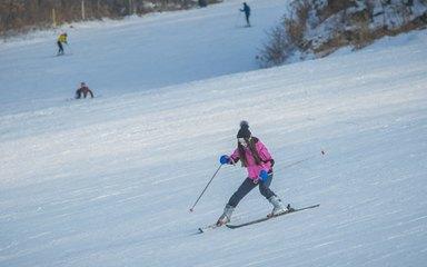 【雪乡-亚布力】哈尔滨-东升雪谷-徒步穿越羊草山-雪乡-亚布力滑雪小环线3日游