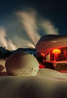 雪乡经典游-雪乡穿越-长白山温泉-亚布力滑雪-镜泊湖-雾凇岛-哈尔滨7日深度游